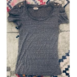 Gray t-shirt with button sleeves